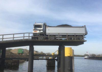 Schip beladen_transport
